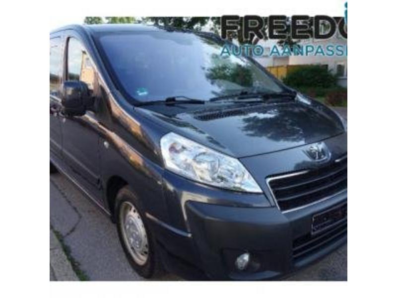 Peugeot Expert - Rolstoelbus