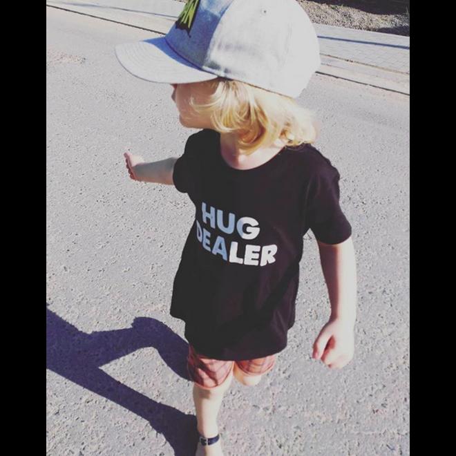 CDKN_kids - zwarte Tshirt - Hug Dealer