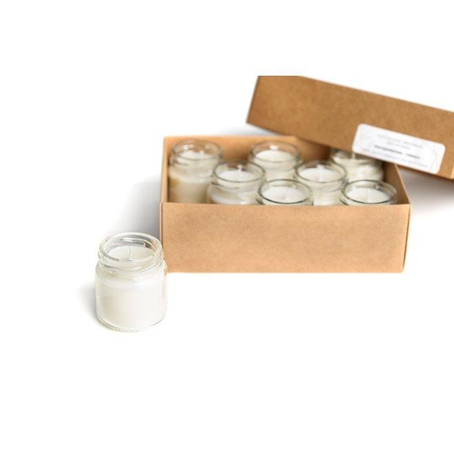 setje van acht sojawas kaarsjes - versgewassen lakens wit