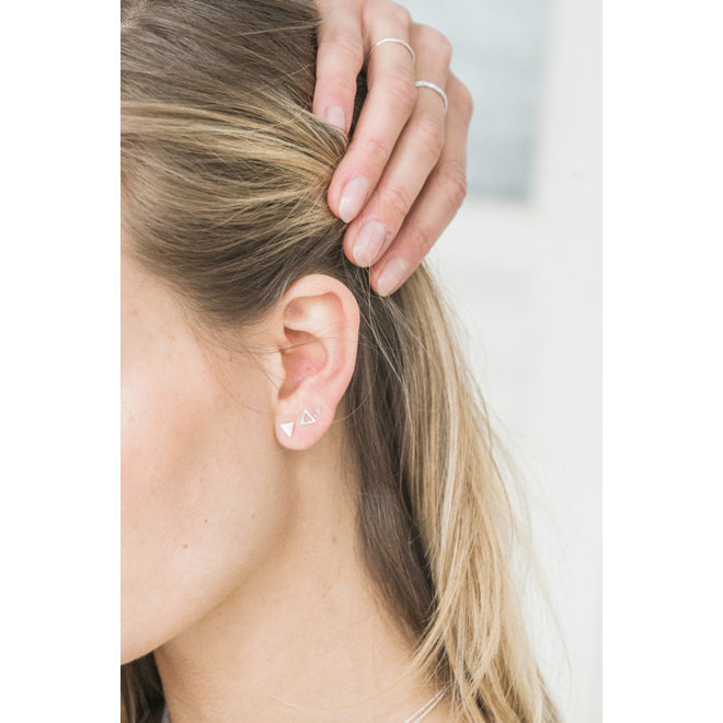SETAREH - ear stud - triangle contour