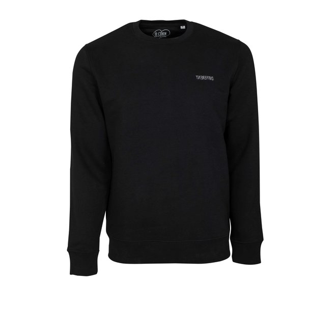 CDKN_official - different sweater