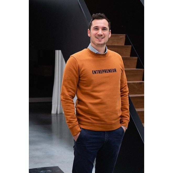 Entrepreneur  - Oranje sweater, zwarte opdruk