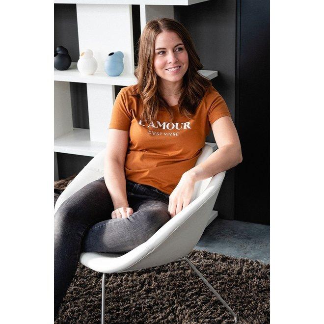 L'amour c'est vivre - Oranje  T Shirt, witte opdruk