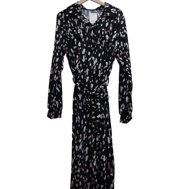 Lang zwart kleed met knoopjes en riem TU - met wit en roest