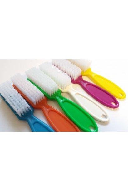 Fingernagel Bürste mit Stiel - Erhältlich in 6 vers. Farben