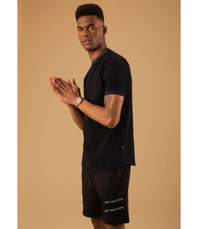 OFF THE PITCH The Solar Slimfit Tee - Black