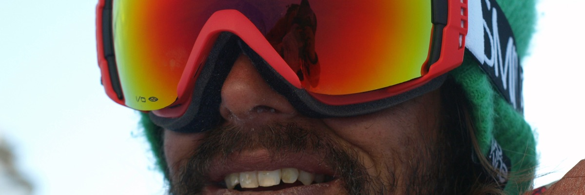 Man wearing nice ski goggles