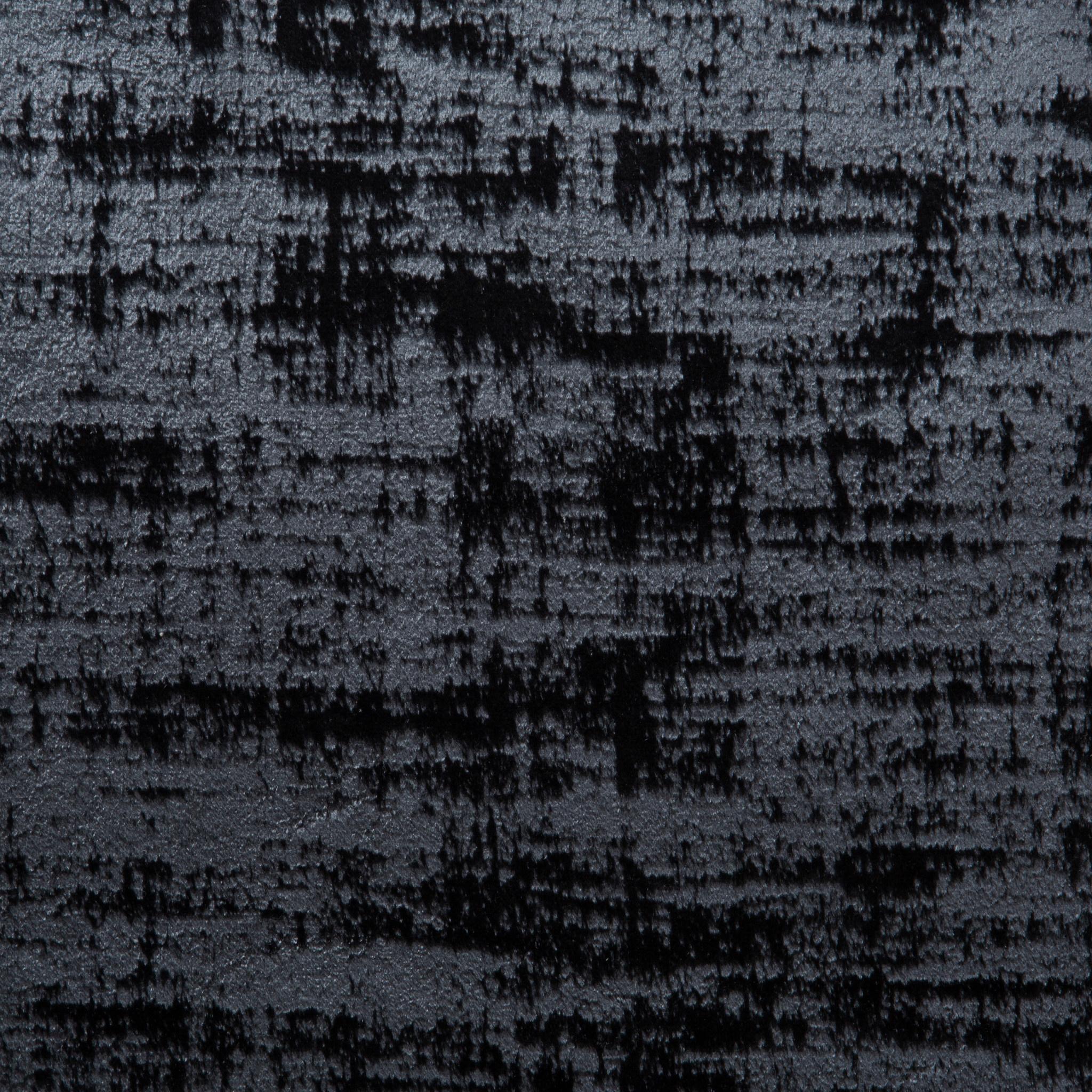 black T122