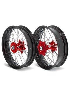 ART Supermoto Satz Räder komplett vorne + hinten SM 17x3,50/17x4,50 Felge schwarz/Nabe rot für Beta Modelle