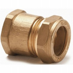 "Coupling straight 15 mm x 1/2"" brass, female."