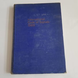 Crown International Code of Signals by Her Majesty´s Stationary Office 1969