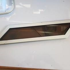 Patrijspoort met lichtbruin plexiglas Aluminium frame inbouwmaat 50 x 110mm