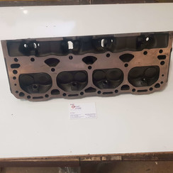 Cylinder head with valves V8 small block GM