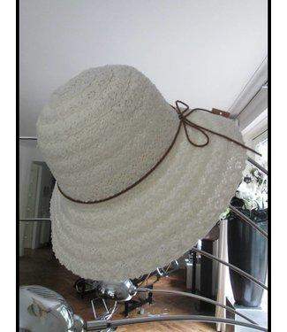 Hebbez White Hebbez Hat
