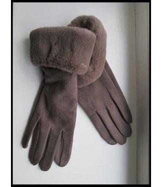 Braun Handschuh