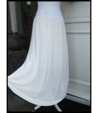 2W White 2W Skirt