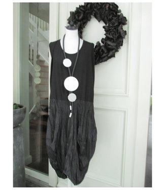 merkloos Schwarz Kleid