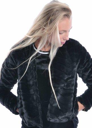 Evan short fake fur jacket black