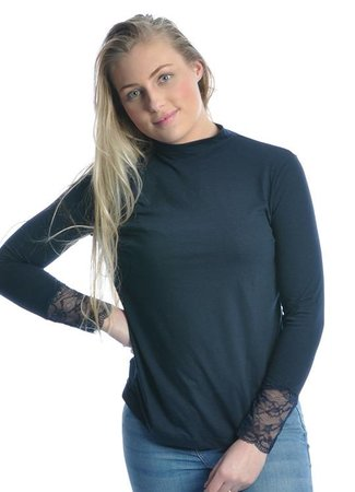Lace sleeve top blue