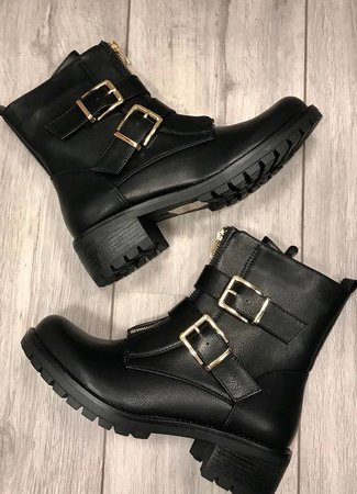 Julia boots