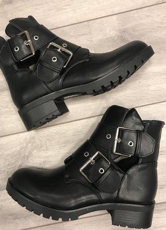 Yara boots