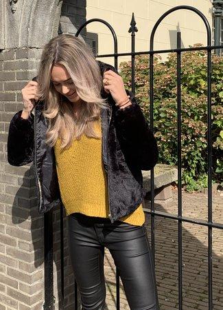 TESS V Kiki faux fur jacket black