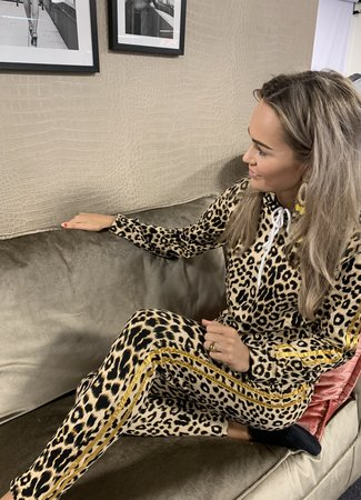 TESS V Leo lounge set gold