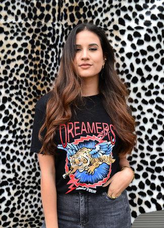 TESS V Dreamer tee black