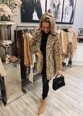 TESS V Isa coat