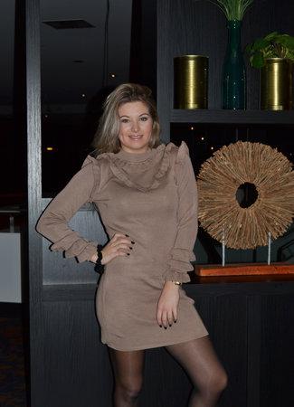 TESS V Juul ruffle dress beige
