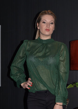 TESS V Dewi blouse green