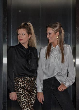 TESS V Chloe blouse black
