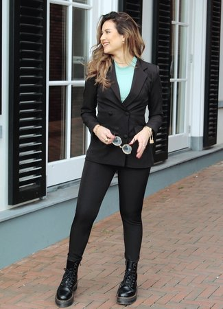 TESS V Senna suit black