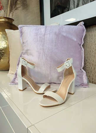 Chloe heels white
