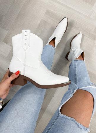 TESS V Olivia boots white