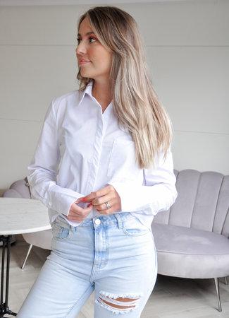 TESS V The perfect white blouse