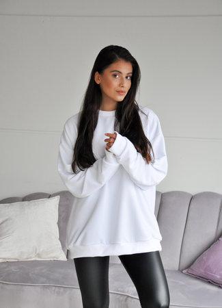 TESS V Thunder sweater white