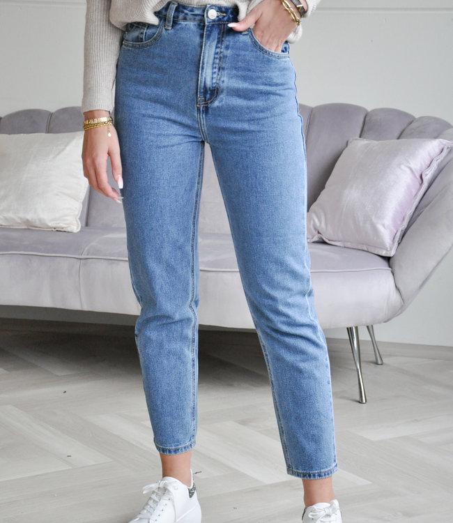 Sara mom jeans