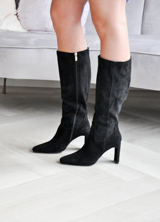 Isa heels black