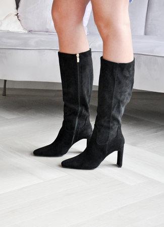 TESS V Isa heels black
