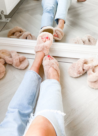 Fluffy slippers beige
