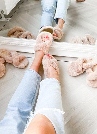 TESS V Fluffy slippers beige