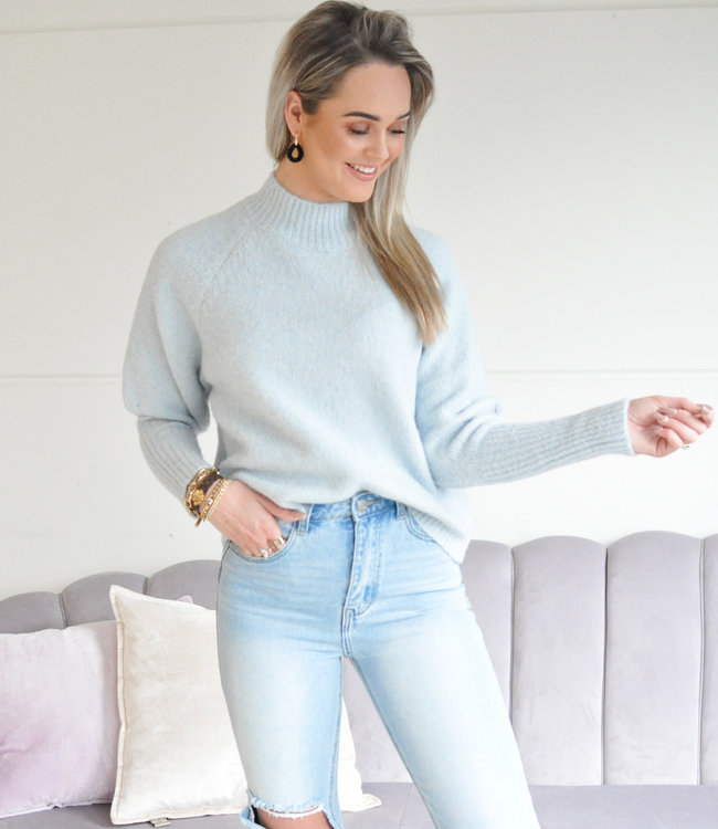 Isabelle sweater light blue