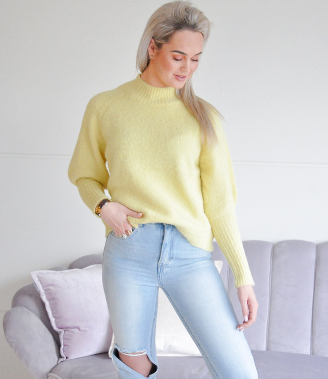 Isabelle sweater yellow