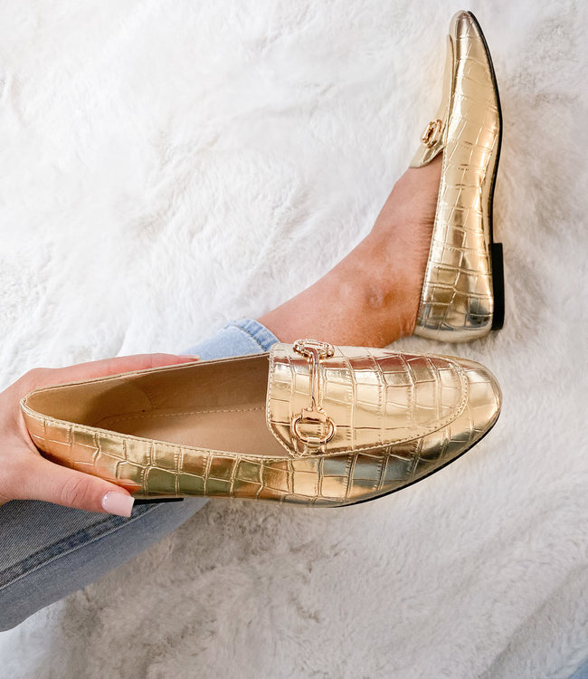 The perfect gold loafers