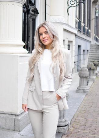 Yada suit beige