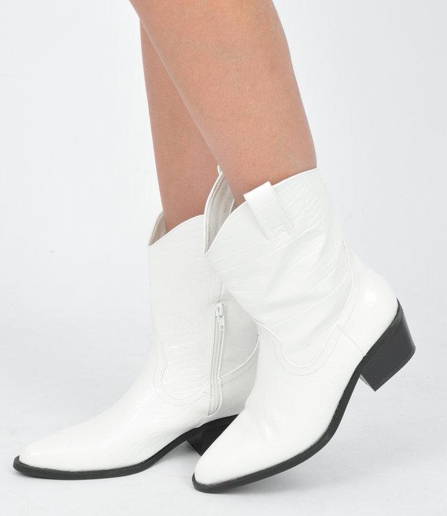 Sarah boots white