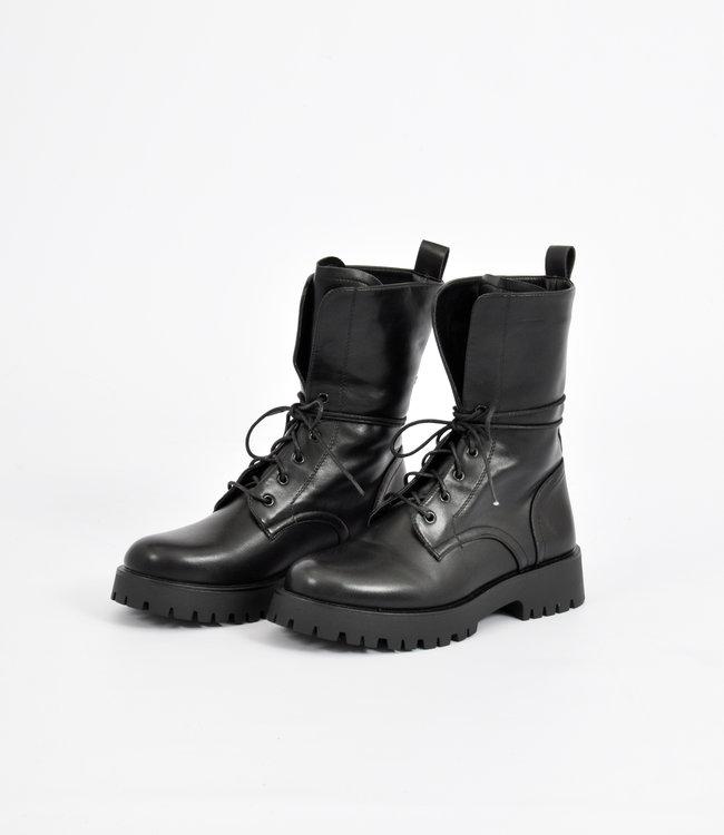 Monica boots black