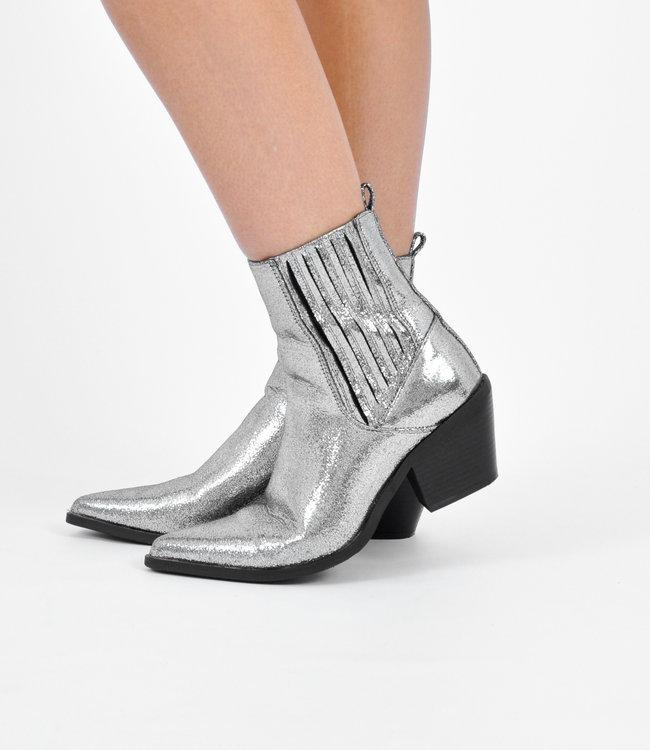 Lara boots silver