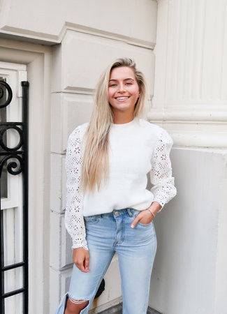 Kate knit white